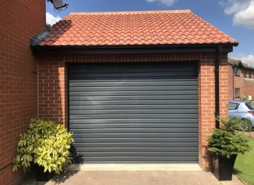 Building Garage in Newport Pagnell