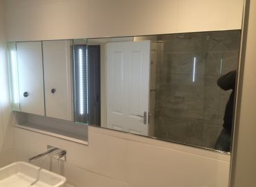 Master bathroom renovation in Oakridge 13